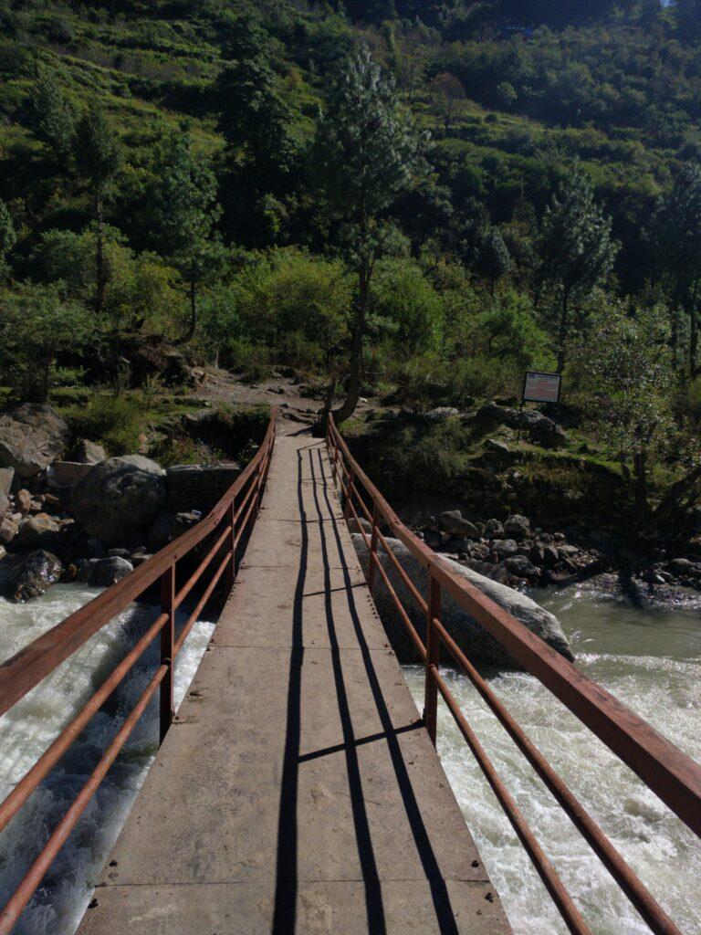 Bridge on way to Kheerganga