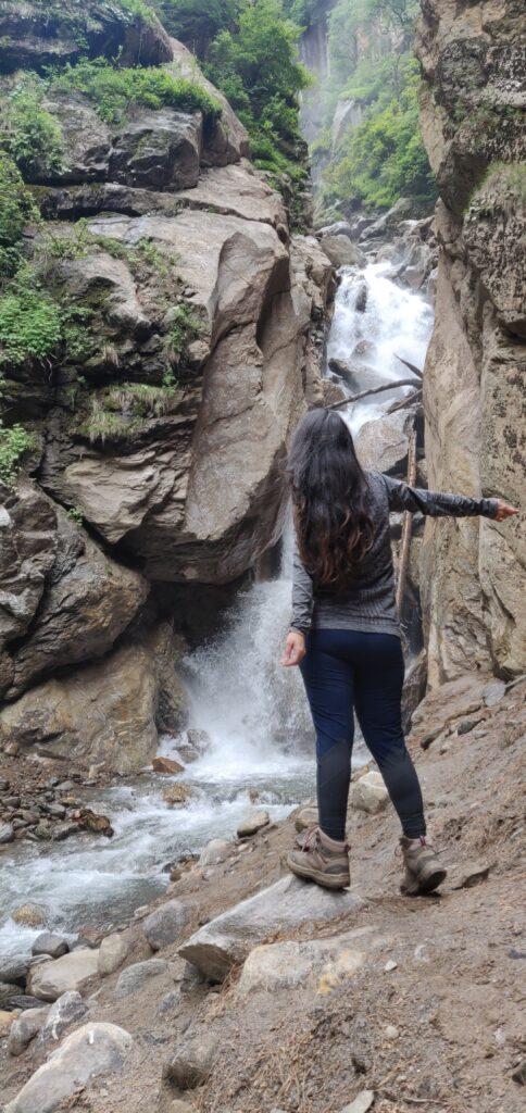 Waterfall on way to Kheerganga